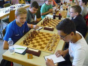 Schlussrunde in der U14/U16: Fabian gegen Niklas