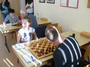 Sophia in ihrer ersten Turnierpartie überhaupt gegen Rainer Drumm