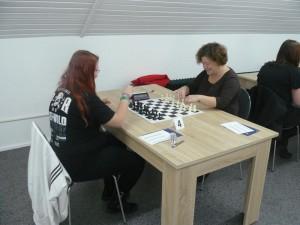 Svenja (links) gegen Galina Plagge
