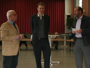 Vorsitzender Kurt Geibel, Großmeister Jan Gustafsson und Bürgermeister Peter Nauert.